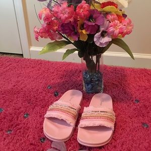 Shoes - Pretty Lady in Pink! New